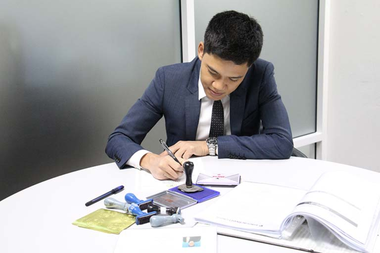 Thai Notary Lawyer