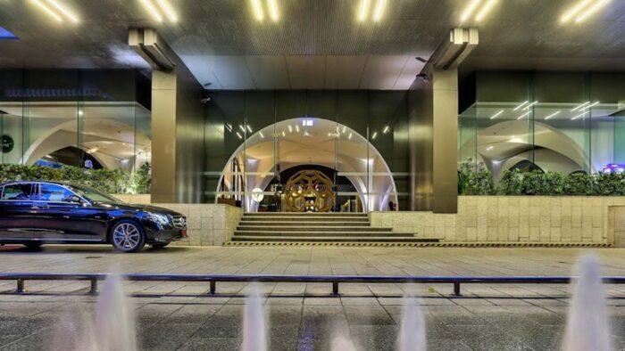 DoubleTree by Hilton Entrance