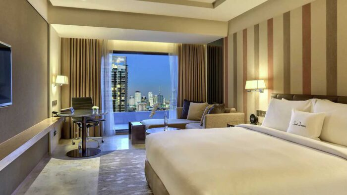 DoubleTree by Hilton King Superior Room